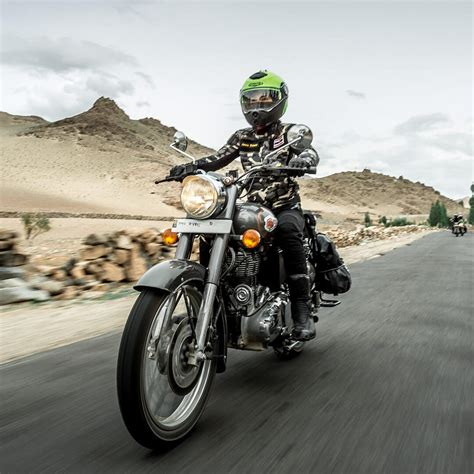 Royal Enfield Bullet 500 - Colors | Specifications