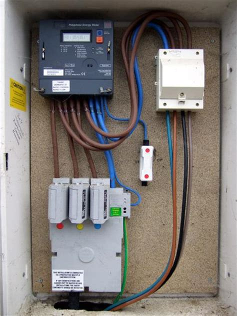 Controlling storage heaters on domestic 3 phase supply